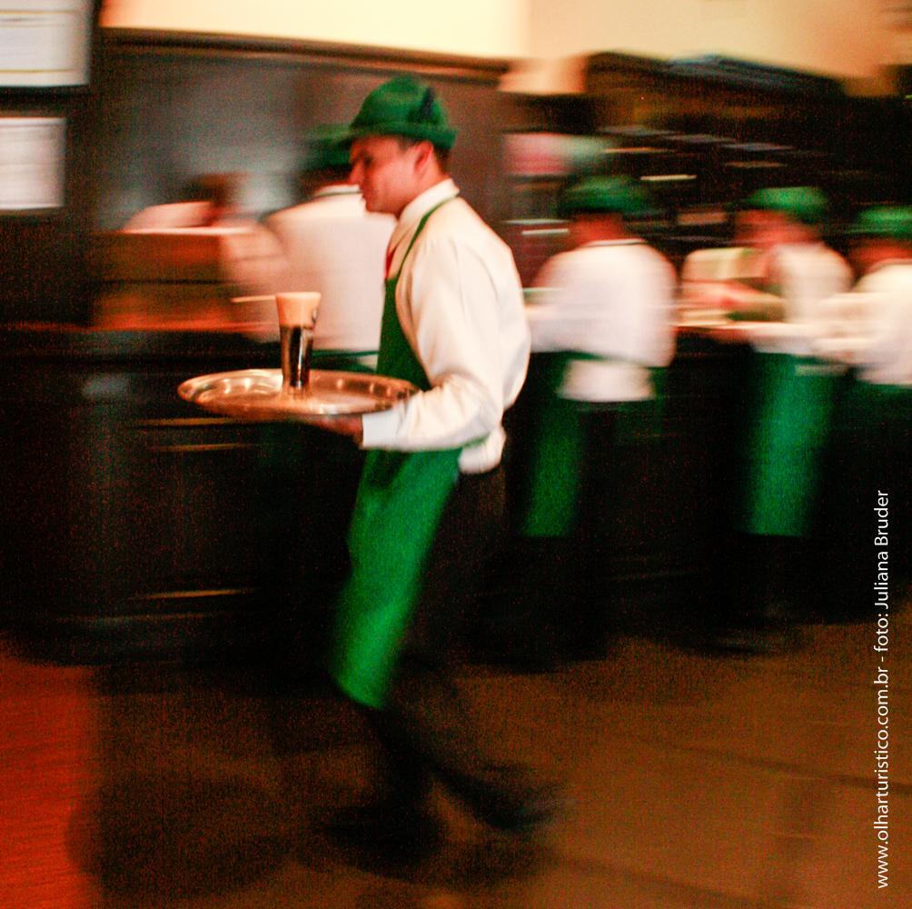 Garçon do Bar do Alemão