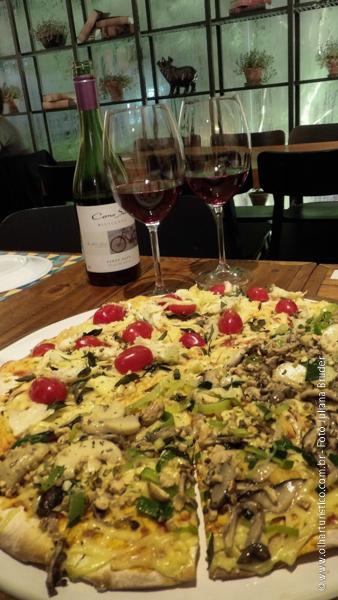 Harmonização de pizza e vinho pinot noir